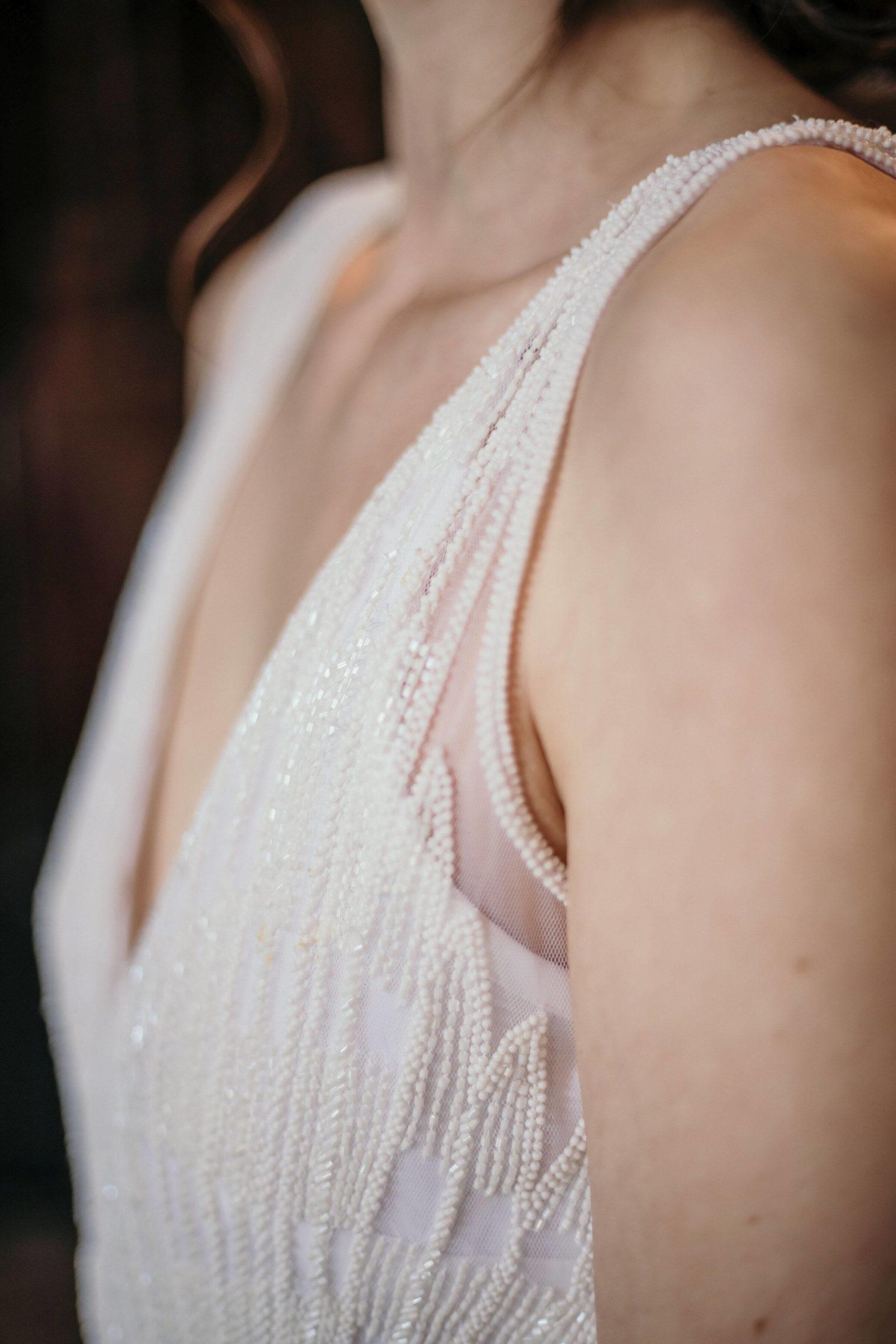 Brautkleid-kollektion-daisy-detail